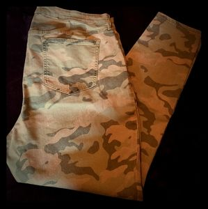 Old Navy Camo Printed Skinny Jeans